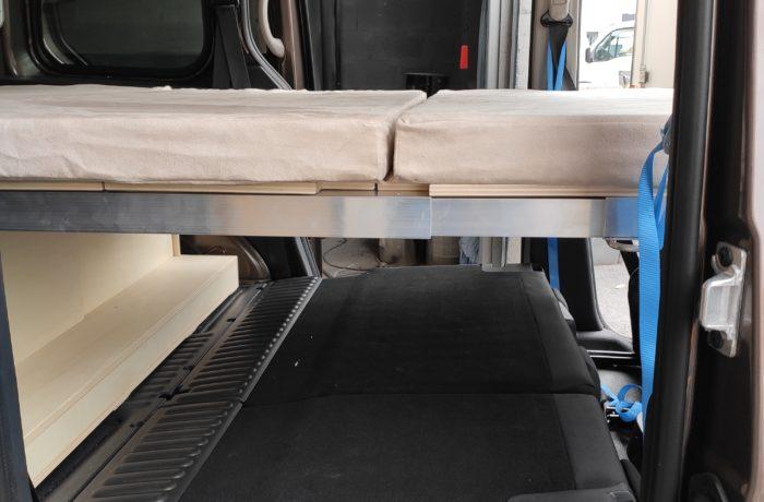 campinbox-modèle Baroudeur sable dans un kangoo-6