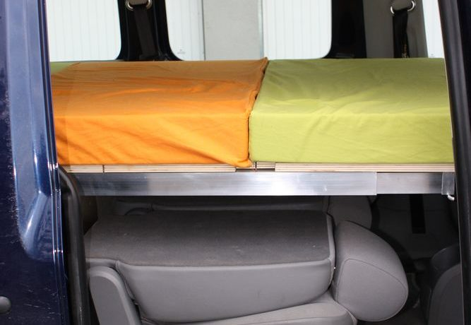 Structure aluminium et matelas pour box - couchage - Campinbox