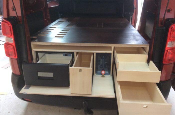 Aménagement Expert III cabine approfondie et tiroir glacière à compression